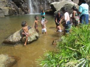 5. Kinder im Wasser a