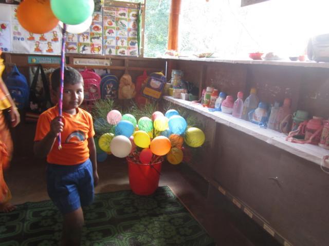 7 Ballone vorbereitet, Trinkflaschen Rucksaecke