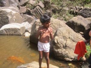 9. Kinder im Wasser e
