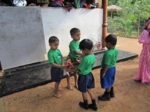 K640_1_Bescuh im Kindergarten
