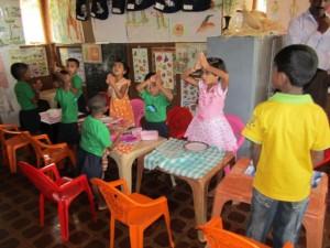 K640_8_Bescuh im Kindergarten